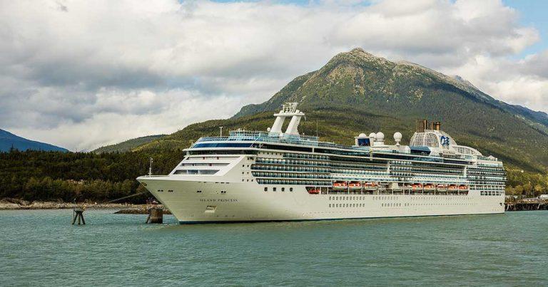 Island Princess Cruise ship